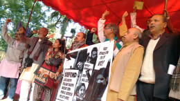 NEW DELHI, DEC 15 (GNI) Over 500 people associated with different social movements, democratic struggles and Trade Unions from different states of the country gathered at Jantar Mantar, New Delhi, on Tuesday - photo by GNI