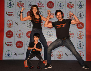 "MUMBAI, (GNI): Bollywood actress Shilpa Shetty Kundra with Gen-X star Tiger Shroff, announced her new health and wellness venture, the ""Shilpa Shetty Wellness Series"" in Mumbai - photo by GNI"