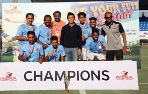 MUMBAI, (GNI): Bhaichung Bhutia with the champions during a grand finale held at Palava's Football Stadium - photo by GNI