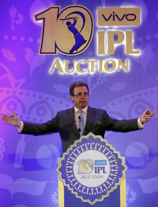 BENGALURU, (GNI): Auctioneer Richard Madley conducts the IPL Players Auction in Bengaluru, on February 20, 2017, in Bangaluru