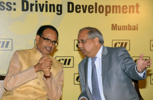 MUMBAI, (GNI): Shivraj Singh Chouhan, Hon'ble Chief Minister, Govt of Madhya Pradesh Chandrajit Banerjee, Director General, CII at CII Conference on Building Competitiveness: Driving Development; India in the Next Decade: The Agenda for Development in Mumbai - photo by Sumant Gajinkar