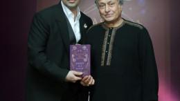 MUMBAI, (GNI); Karan Johar and Ustad Amjad Ali Khan at Ustad Amjad Ali Khan's Master on Masters book release in Mumbai - Photo by GNI
