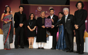 MUMBAI, (GNI): Suchitra Pillai, Amaan Ali Bangash, Milee Ashwarya - Editor-in-Chief, Penguin Random House India, Ustad Amjad Ali Khan, Karan Johar, Subhalakshmi Khan, Suhel Seth and Ayaan Ali Bangash, in Mumbai - Photo by GNI