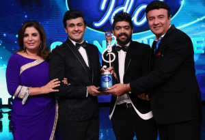 Trio, Farah Khan, Sonu Nigam & Anu Malik with Winner LV Revanth