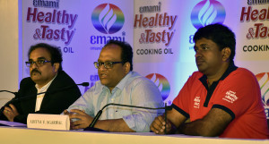 MUMBAI, (GNI): Sudhakar Desai, CEO – Emami Agrotech Limited, Aditya Agarwal, Director – Emami Group and Jayant Goenka, President – Emami Agrotech Limited during a press briefing on the national launch of Emami Healthy & Tasty in Mumbai - photo by Sumant Gajinkar