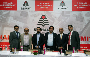MUMBAI, (GNI): L to R: Chitresh Mody, JM Financial Institutional Securities Ltd.,  Dinesh Jhunjhunwala, Vice Chairman, S Chand And Company Ltd., Samir Khurana, Head - Strategy & Mergers and Acquisitions, S Chand And Company Ltd., Himanshu Gupta, Managing Director, S Chand And Company Ltd., Saurabh Mittal, Chief Finance Officer, S Chand And Company Ltd., Sumit Jalan, Credit Suisse Securities (India) Private Ltd., Dr. Srinivasan Subramanian, Axis Capital Ltd. during the announcement of IPO, in Hotel Taj Palace in Mumbai - Photo by Sumant Gajinkar