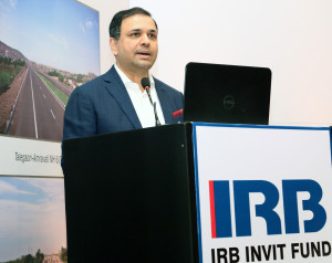 MUMBAI, (GNI): Virendra D. Mhaiskar, CMD, IRB Infrastructure Developers Ltd. addressing the media at the IRB InvIT Fund press conference in Mumbai - photo by Sumant Gajinkar