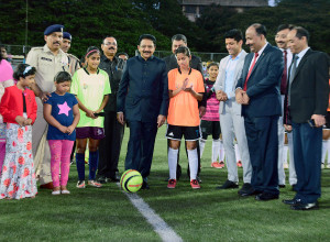 MUMBAI, (GNI): The Governor of Maharashtra & Tamil Nadu CH Vidyasagar Rao inaugurated the Under – 19 Football Talent Hunt Tournament by kicking off the football at the Cooperate Football Ground in Mumbai - Photo by Sumant Gajinkar