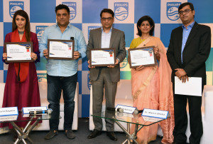 MUMBAI, (GNI): L-R: Gautami Kapoor, Ram Kapoor, Priyank Agarwal, Dr. Manvir Bhatia and Harish R, at the Philips conference, with a pledge to spread awareness about Obstructive Sleep Apnea n Mumbai - Pgoto by Sumant Gajinkar