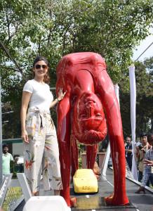 MUMBAI, (GNI): Bollywood diva Shilpa Shetty poses at RPG Art Foundation's sculpture—Yoga on the Sealink., in Mumbai - photo by GNI