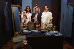 MUMBAI, (GNI): Rhea & Sonam Kapoor along with Govind Shrikhande, Customer Care Associate & Managing Director Shoppers Stop Ltd at the Rheson press conference in Mumbai - photo by Sumant Gajinkar