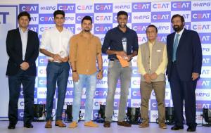 MUMBAI, (GNI): L-R: Anant Goenka (MD, CEAT LTD), Shubman Gill, Suresh Raina, R. Ashwin, Sunil Gavaskar, Harsh Goenka (Chairman, RPG Enterprises) at CEAT Cricket Rating Awards 2017 in Mumbai - Photo by GNI