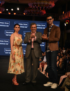 MUMBAI, (GNI): L-R: Ms. Aditi Rao Hyadri, Mr. Govind Shrikhande (MD, Shoppers Stop) and Kunal Kapoor at Designer of the Year event by Shoppers Stop. in Mumbai - Photo by GNI