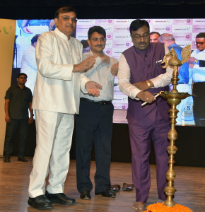 MUMBAI, (GNI): L to R - RN Dhoot (Member of Parliament), Rajiv Jalota (Commissioner - Sales Tax, Maharashtra), Sudhir Mungantiwar (Minister of Finance and Planning, Government of Maharashtra, in Mumbai - photo by GNI