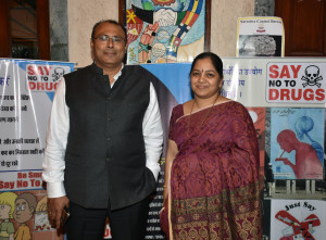 MUMBAI, (GNI): Narcotics Awareness Drive - Sanjay Jha Narcotics Control Bureau and Ms Deepa Shetty - Principal GBMS - Birla Edutech hosted a Narcotic Awareness Drive at Gopi Birla Memorial School, in Mumbai - Photo by GNI