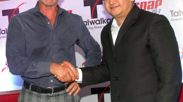 MUMBAI, (GNI):  Peter Taunton, founder of Snap Fitness and CEO (L) with Prashant Talwalkar, MD and CEO of Talwalkars Better Value Fitness Ltd during announcement the tie up with Snap Fitness for Larger Gym chains in the world, in Mumbai on Tuesday - PHOTO BY SUMANT GAJINKAR