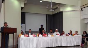 MUMBAI, (GNI): Sam Balsara, Katy Gandevia Jiyo Parsi Coordinator, Yezdi Desai BPP Chairman, H.E Khalegi Consul General of Iran, Mukhtar Abbas Naqvi Minister of Minority Affairs, Vada Dasturji Khurshed Dastur Saheb, Niva Singh Jt. Secretary Ministry of Minority Affairs, Parizaad Kolah Marshall, Armaity Tirandaz BPP Trustee, Dr. Niloufer Shroff Parzor Foundation, in Mumbai - Photo by GNI