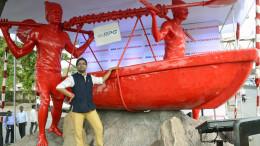 MUMBAI, (GNI): Artist Debanjan Roy poses with his artwork for RPG Art Foundation