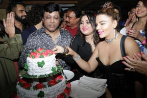 2. Misti Mukherjee with Manik Soni and Rakhi Sawant _AP_0945