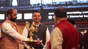 Devendra Fadnavis & Hansraj Ahir at the diya lighting ceremony for 26-11 Memorial Day Event at BSE