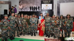 Kanak Chaturvedi & Gautam Chaturvedi with Jawans in Last show