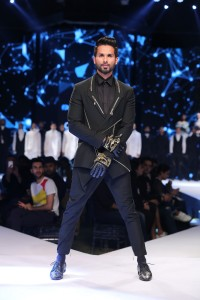 Shahid Kapoor- the showstopper- walking the ramp for Gaurav Gupta's Show at Van Heusen + GQ Fashion Nights 2017 -Day2