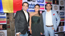 1. Aquib khan with Krystle D'Souza and Nihit Srivastava DSC_9740-2