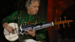 Sarod Maestro Ustad Amjad Ali Khan at his performance at the Chhatrapati Shivaji Maharaj Vastu Sangrahalaya (Prince of Wales Museum) (2)