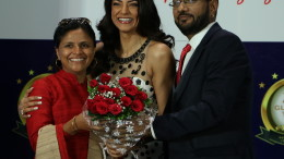 L to R - Swati Mahadik, Sushmita Sen & Mr. Ramesh Sanghvi, Chairman & Managing Director of the Sanghvi Parrsssva Group