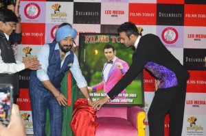 Sandip-Soparrkar-the-first-dancer-to-grace-a-cover-of-a-bollywood-Magazine-Films-Today11.jpeg