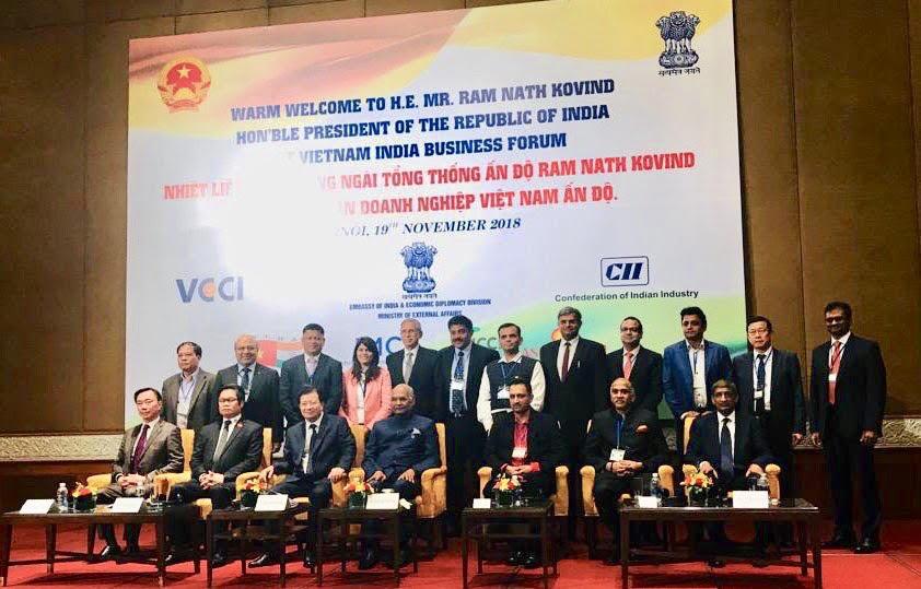 Dr Sunita Dube from Medscapeindia joins President of India delegation in Vietnam1
