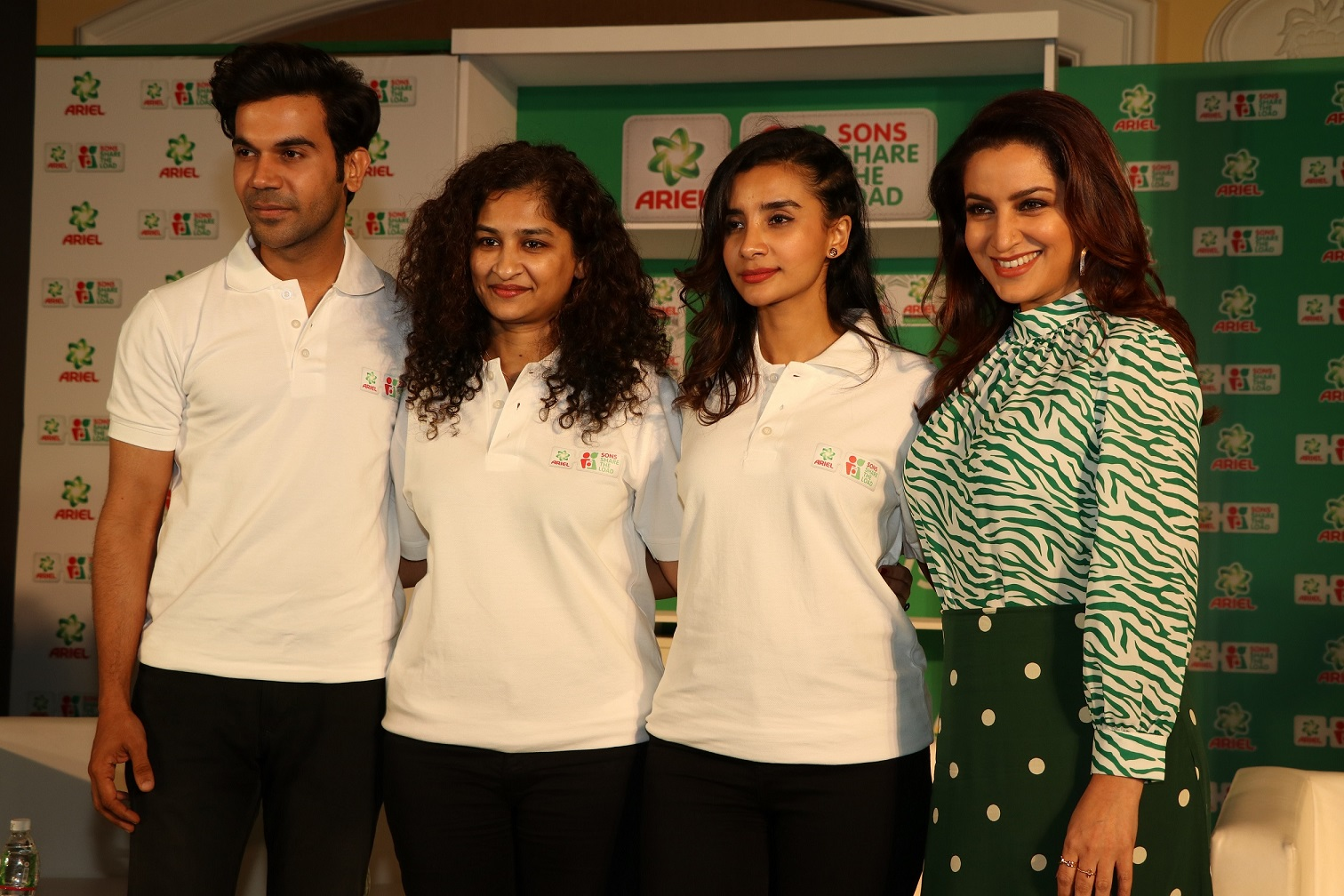 from l-r- Rajkumar Rao, Gauri Shinde, Patralekha and Tisca Chopra at the panel dicussion for Ariel's Sons #SharetheloadI