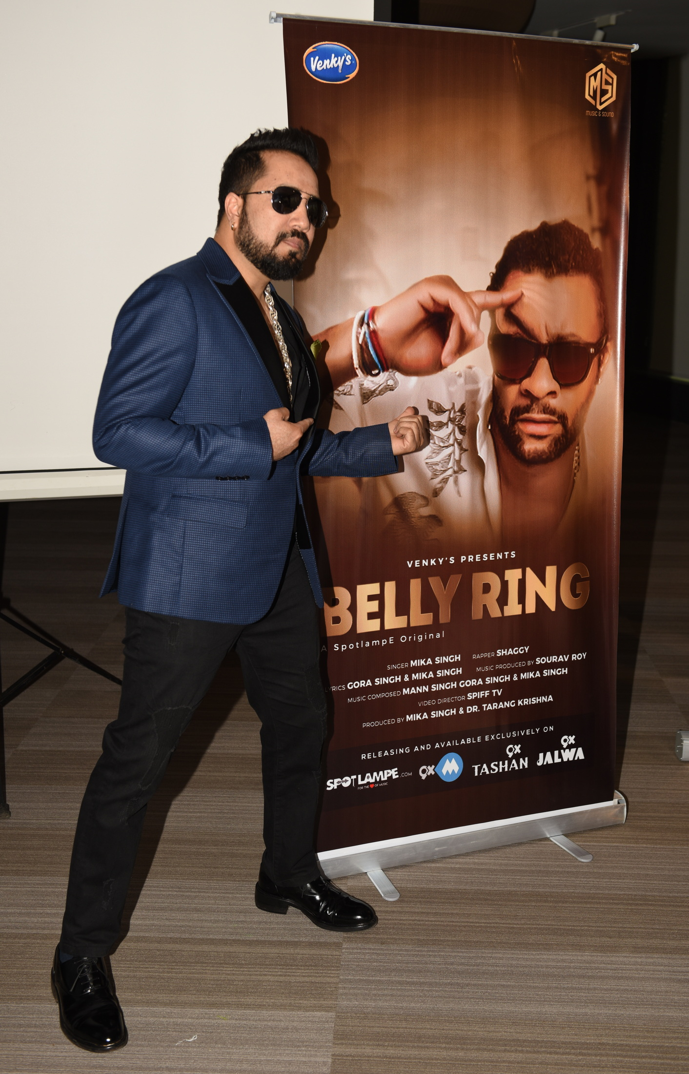 2.  Mika Singh during his new single BELLY RING song launch KPP_8976