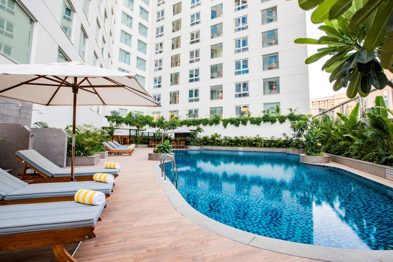 Lemon Tree Premier Mumbai Pool